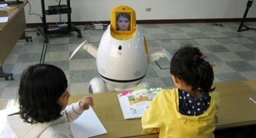 В казахстанских школах предлагают ввести электронного учителя