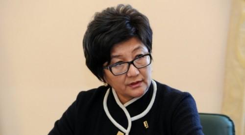 Министр труда Кыргызстана ушла в отставку после скандала с загранпоездками