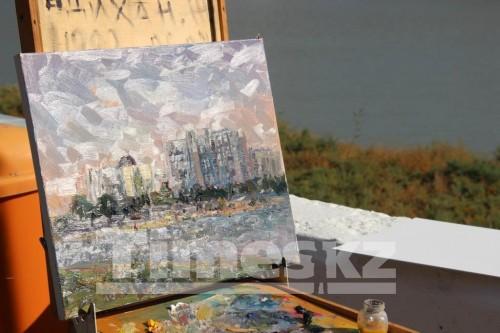 Иностранные художники подарили свои картины Атырау