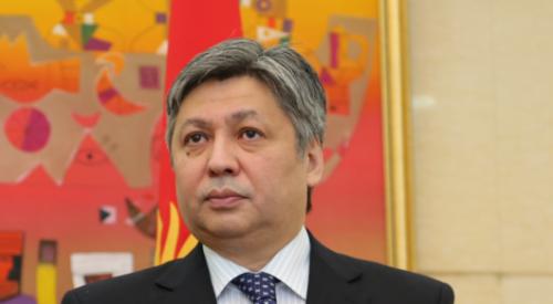 Главу МИД Кыргызстана и посла сняли с постов после инцидента с замминистра труда