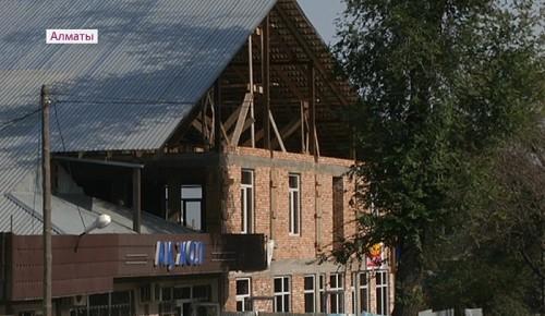 Снести построенные с нарушениями здания в Алматы обязали их владельцев