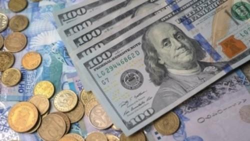 Доллар еще подешевел на торгах