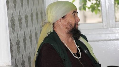 Бородатая женщина из Туркестанской области думает подать в суд на иностранные СМИ