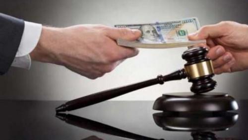 В Костанае задержан адвокат за передачу судье взятки