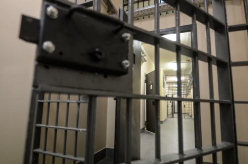 Россиянин, осуждённый на пожизненное и вышедший по УДО, вновь напал на человека