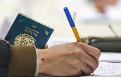 В Казахстане дети должны будут иметь паспорта с 1 января 2019 года