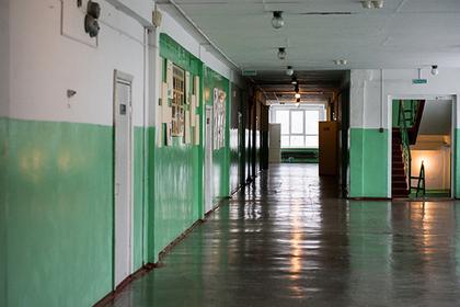 В Москве подросток пришел в школу с ножом