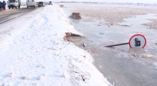 """""""Такого никогда не было"""". Большая вода """"обрушилась"""" на Кызылординскую область"""