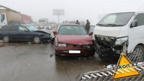 В массовых ДТП на Капчагайской трассе пострадали 15 человек