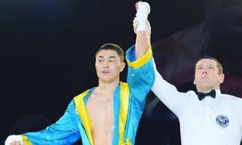 Чемпион Казахстана убийственным нокаутом дебютировал на профи-ринге