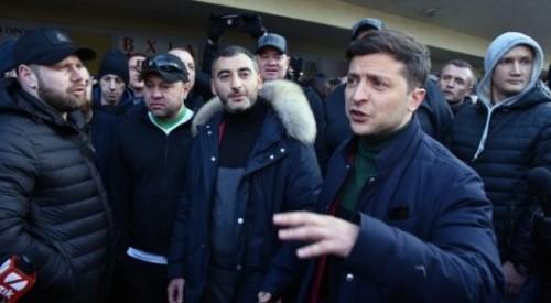 """""""Кто такой Путин?"""" - Зеленский вступил в перепалку с украинскими военными"""