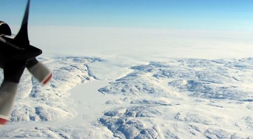 Глубоко подо льдом Гренландии найдены следы древней катастрофы