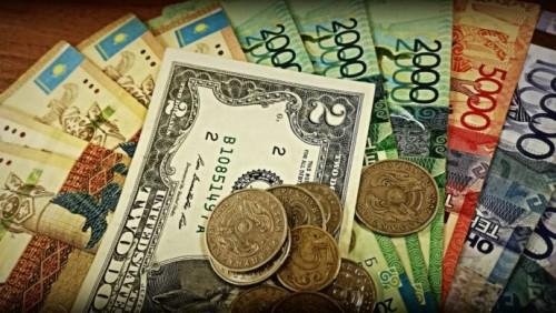 Доллар снова вернулся к отметке в 376 тенге на торгах