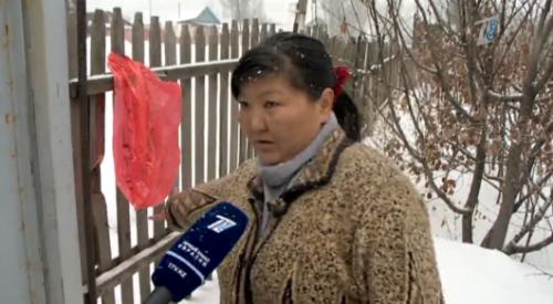 Младенца, подвешенного в полиэтиленовом пакете на заборе, нашли в Тургене. Подробности