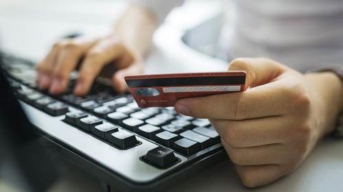 Как не стать жертвой интернет-мошенников, рассказали в полиции