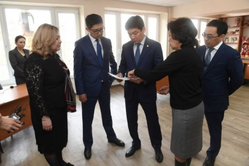 Директор высшего медицинского колледжа Алматы уволена за срыв госзаказа