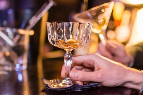 Генетики рассказали о разнице между пьянством и алкоголизмом
