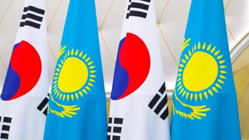 Президенты Казахстана и Кореи встретились в Нур-Султане