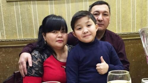 Мать Ержана Максима объяснила участие в рекламе, высмеивающей Первый канал