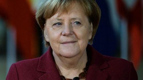 В Дортмунде в самолет Меркель врезался неуправляемый автомобиль