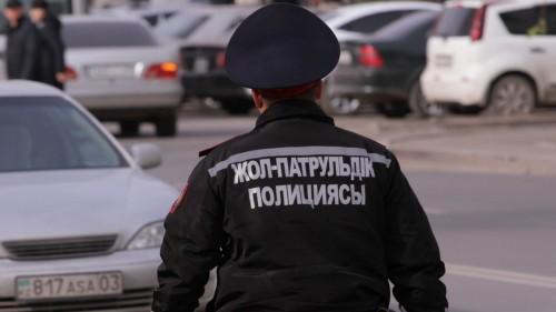 Полицейский потерял принтер для штрафов в Караганде