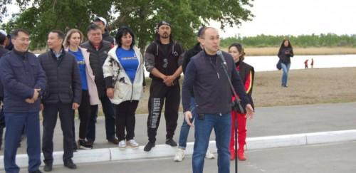 Даурен Абаев принял участие в экологической акции по очистке реки Тобол