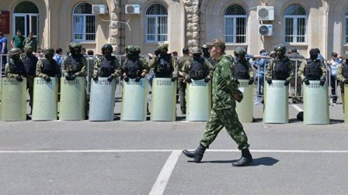 У парламента Абхазии вторые сутки проходят протесты