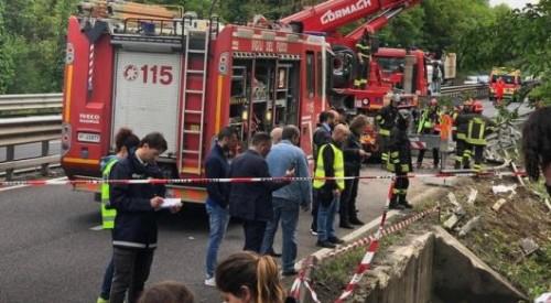 Девять казахстанцев пострадали в перевернувшемся автобусе в Италии