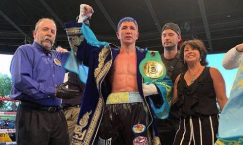 Непобежденный казахстанский боксер завоевал пояс от WBC