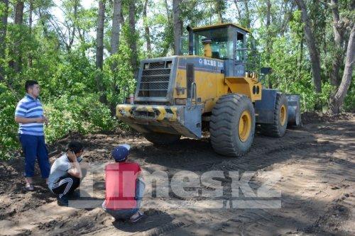 Жители района Келешек требуют прекратить строительство дамбы на реке Каргала