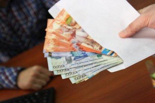 За мошенничество в группе лиц в Актобе оштрафовали троих полицейских