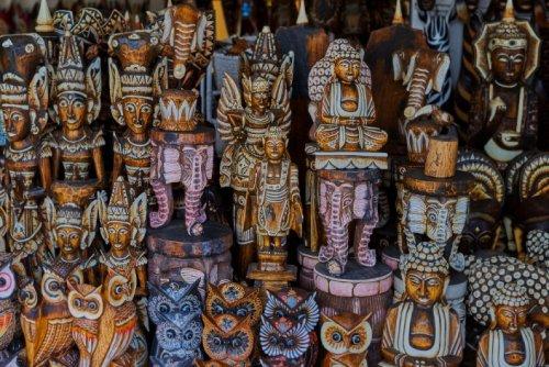 Контрабанда или безобидные сувениры? Что нельзя вывозить из разных стран мира