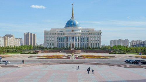 Эксперт объяснил первый указ Токаева о статусе акимов Нур-Султана, Алматы и Шымкента