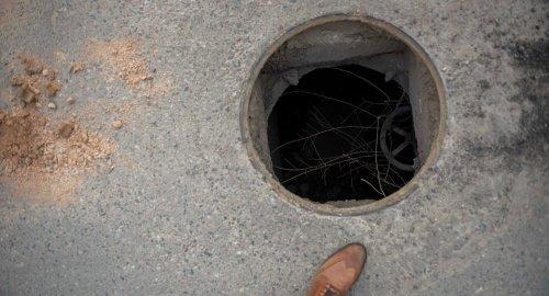 Рабочий погиб в канализационном колодце на востоке Казахстана