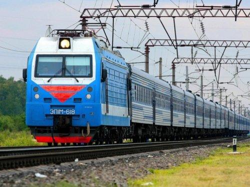 Дополнительные поезда запускают в Казахстане на летний период