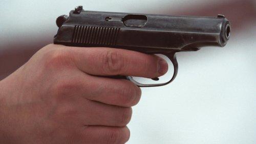 Пьяный мужчина угрожал детям пистолетом в Нур-Султане