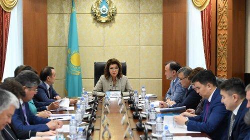 Закредитованность населения отметила Дарига Назарбаева на заседании по бюджету