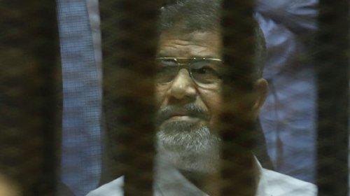 СМИ назвали причину смерти экс-президента Египта Мурси