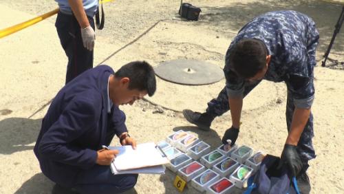 Вооруженные налетчики украли 43 iPhone из магазина в Актобе
