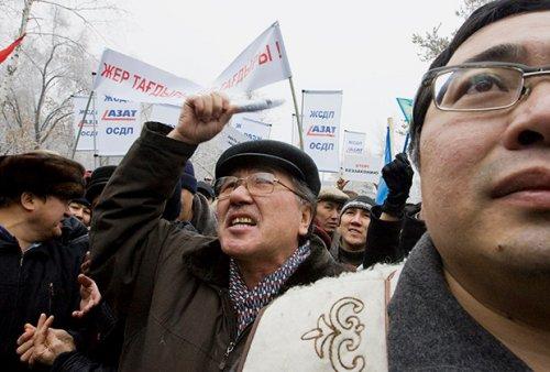 Российские СМИ: Цена стабильности в Казахстане