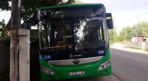 Мальчик умер в больнице после наезда автобуса в Алматы
