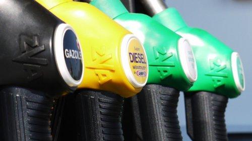 Казахстан беспошлинно экспортирует бензин в страны ЕАЭС из-за профицита