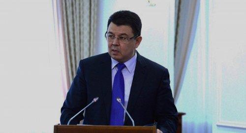 О жестких условиях по экспорту казахстанского бензина рассказал Бозумбаев