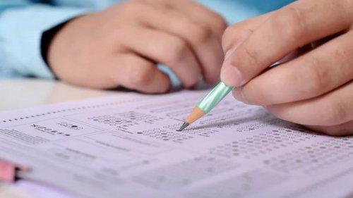 Абаев: Школьники не должны идти на экзамен как на эшафот