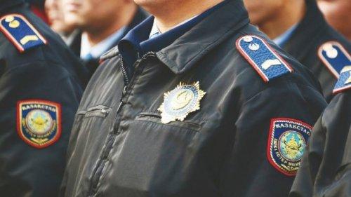 C 1 июля полицейским Казахстана повысят зарплату