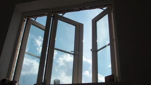 17-летняя девушка выпала из окна студенческого общежития в Костанае