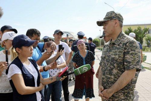 О возможных причинах взрыва боеприпасов в Арыси  рассказал министр обороны Казахстана