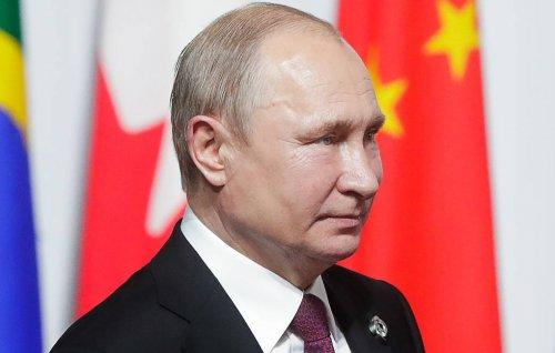 Путин пришел со своей кружкой на ужин в честь лидеров стран G20