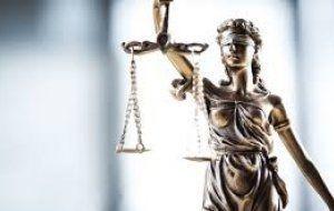 16 таможенников предстали перед судом в Шымкенте