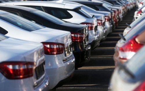 «АвтоВАЗ» передумал повышать цены на все автомобили